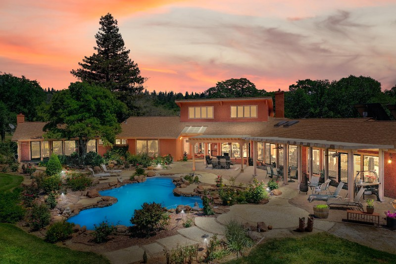 Spectacular Northern California Equestrian Estate